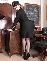 Brookie Little A stiff test sirale stockings nylon wife