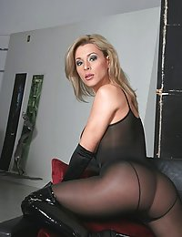 mature nylon amatuer