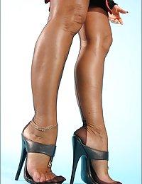 mature ladys in nylon pantiea