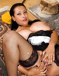 ff nylon mature seduce boy jrunk.tumblr.com