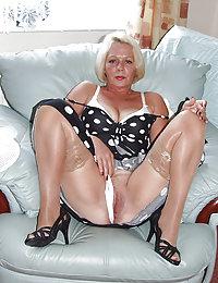 free grannies in nylon teasing